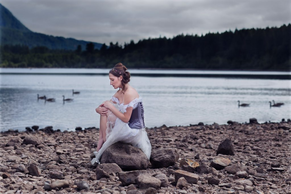Yuliya Rae Seattle Outdoor PNW Portrait Photographer