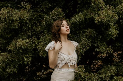 Yuliya Rae Seattle PNW portrait outdoor photographer