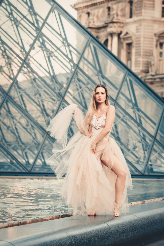 Yuliya Rae Seattle boudoir portrait photographer paris france louvre